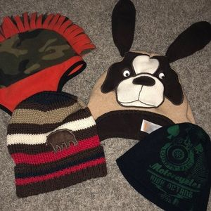 Accessories - Bundle of youth beanies